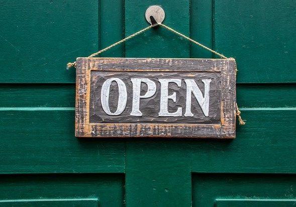 odprto